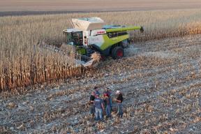СПОДЕЛЕНО ОТ ОПИТА: Claas LEXION 8600TT с нов рекорд при жътва на царевица 184 тона/час