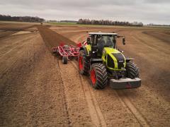 Фермер срещу CEMOS изкуствен интелект - предизвикателството на CLAAS